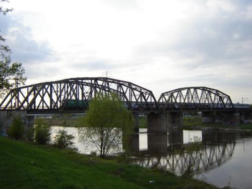 020506_most_kolejowy_przed_mostem_milenijnym