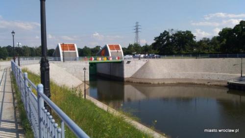 P 20200627 nad kanalem miejskim